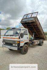TOYOTA Dyna 300 14B 3.6 diesel left hand drive 7.5 ton kippiauto