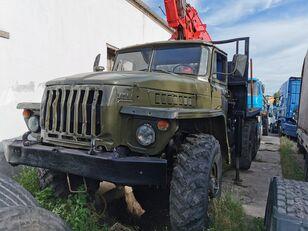 URAL HYAB puutavara-auto
