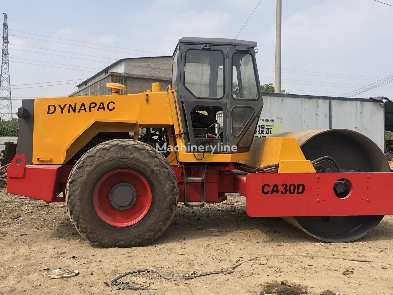 DYNAPAC CA30D yksivalssijyrä